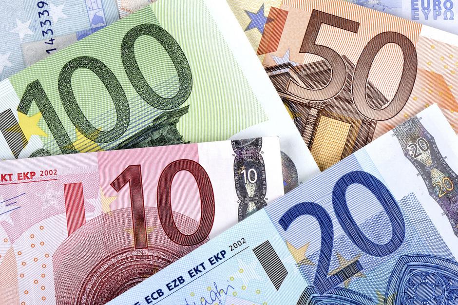 Kein Spender darf mehr als 7500 Euro pro Jahr zahlen, keine Partei mehr als 750.000 Euro annehmen.
