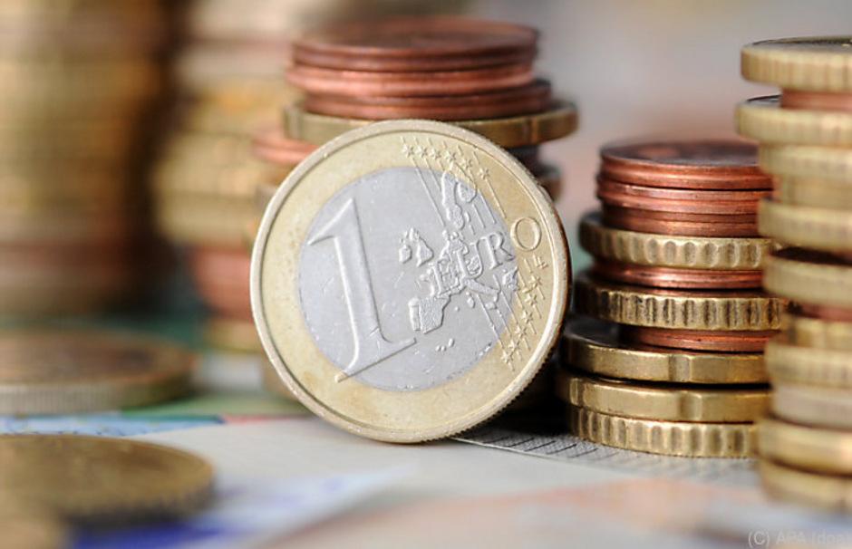 Die Konsumlust in Österreich bleibt weiterhin gut, auch die Erwartungen für die weitere Wirtschaftsentwicklung bleiben im eher positiven Bereich.