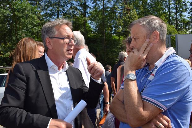 BM Martin Krumschnabel versicherte den Anrainern: Die Gemeinde wird sich zur Wehr setzen.