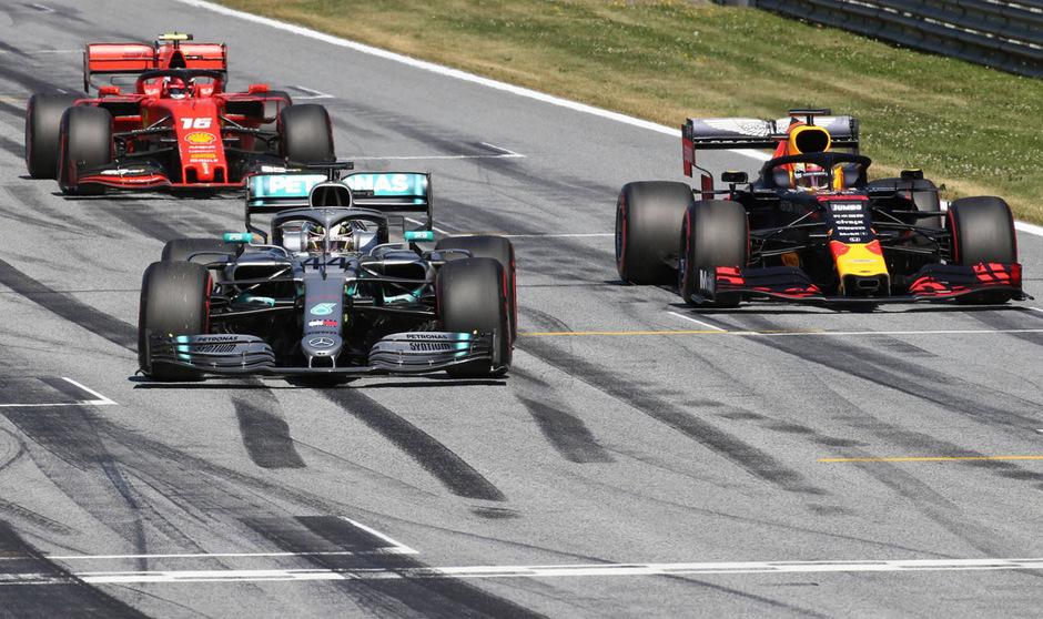 Die Jagd auf WM-Leader Lewis Hamilton geht in Silverstone in die nächste Runde.