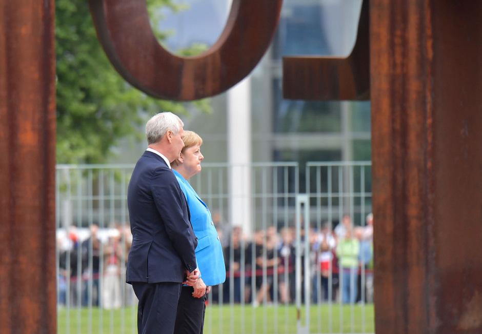 Die deutsche Kanzlerin Angela Merkel und der finnische Ministerpräsident Antti Rinne beim Empfang in Berlin am Mittwoch.