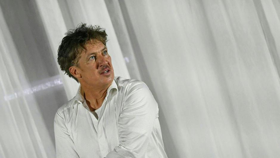 Tobias Moretti.