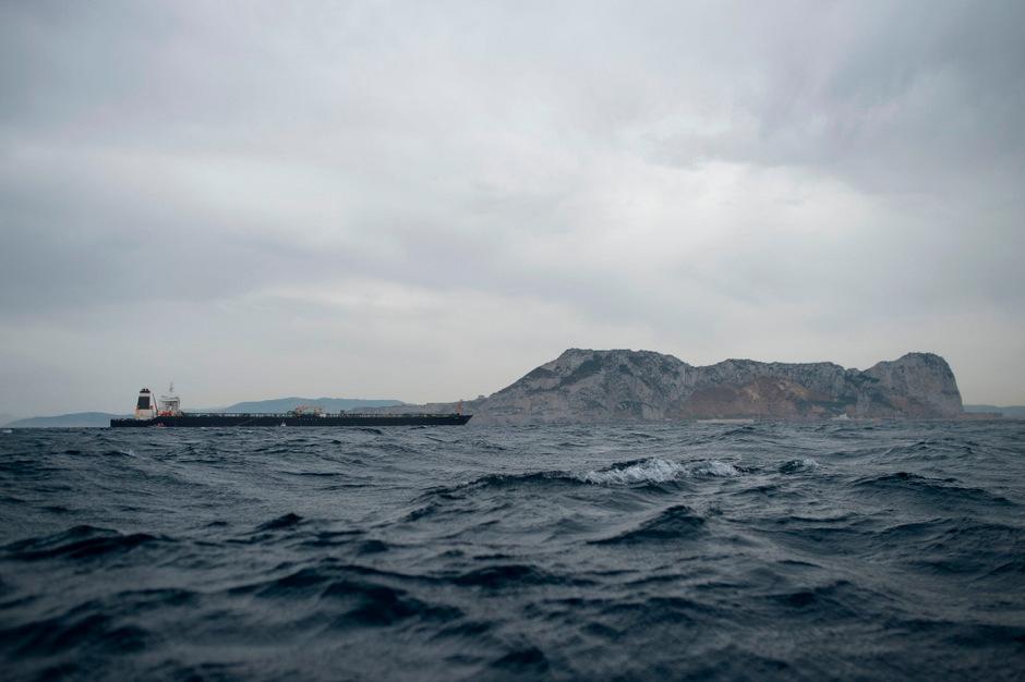 """Der iranische Supertanker """"Grace 1"""" wurde vergangene Woche vor Gibraltar wegen des Verdachts illegaler Öllieferungen für Syrien gestoppt."""