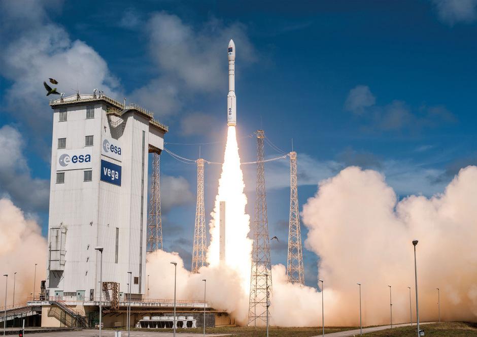 Eine Vega-Rakete nach dem Start (Archivbild aus dem Jahr 2016).