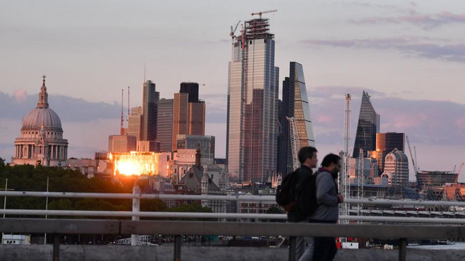 In London könnten Sonnenuntergänge im Jahr 2050 deutlich häufiger Hitzetage beenden.