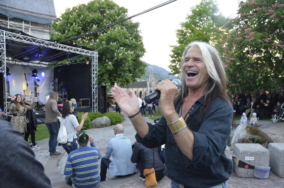 Zwei Wochenenden umfassten die Jenbacher Kunst- und Kulturtage. Geboten wurden über 40 Einzelveranstaltungen. Auch die Schulen waren involviert. Einer der Höhepunkte war das Konzert von Waterloo (Bild).