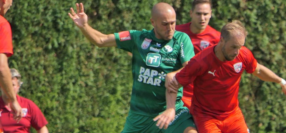 Grgic (l.) und Co. trennten sich 0:0 von Ingolstadt.