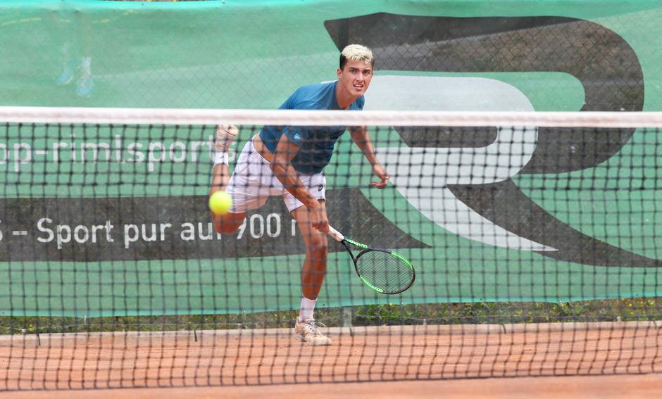Zwei Siege an einem Tag: Nach drei abgewehrten Matchbällen im Viertelfinale gewann Alexander Erler klar das Halbfinale.