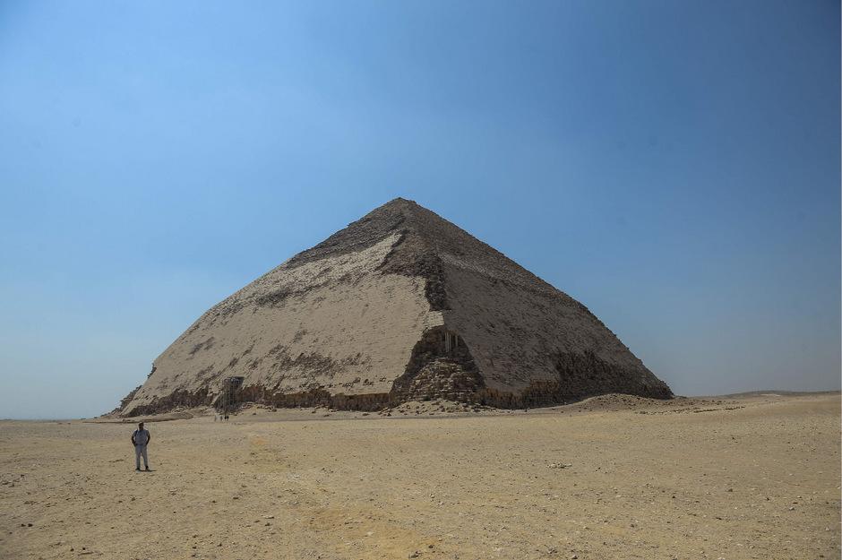 Die Knickpyramide von König Sneferu.