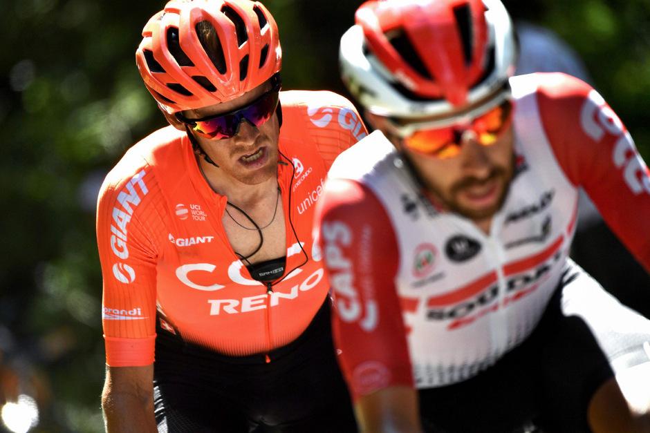 Alessandro De Marchi (l.) stürzte bereits nach wenigen Kilometern auf der neunten Etappe schwer.
