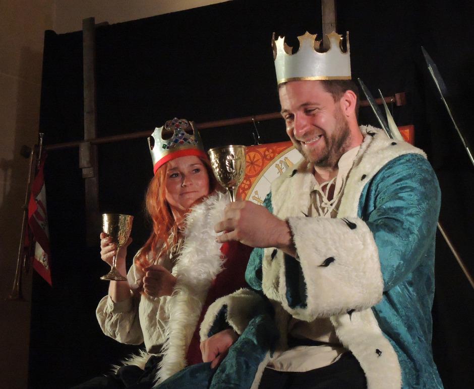 """Mit dem Schauspiel """"Der nackte Max"""" huldigen die Schauspiele Kauns dem Kaiser Max auf sehr spezielle Art und Weise."""
