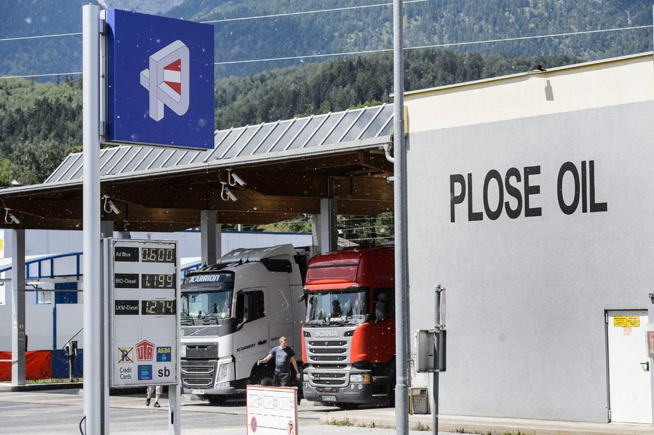Ab 1. August wird der Tanktourismus mit Lkw-Fahrverboten auf den Zufahrten zu den Tankstellen in Fritzens und Mutters eingebremst.