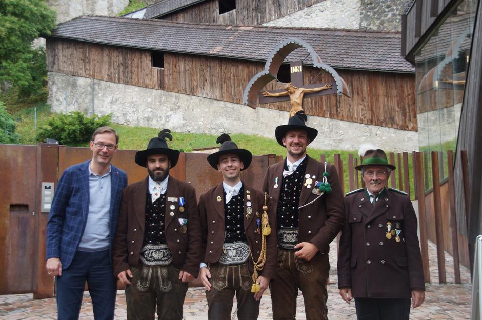 BSO Hannes Bodner, Hauptmann Stefan Kofler, Oberleutnant Stefan Fluckinger, Leutnant Michael Tusch, OSM Josef Daxerer (v.l.).