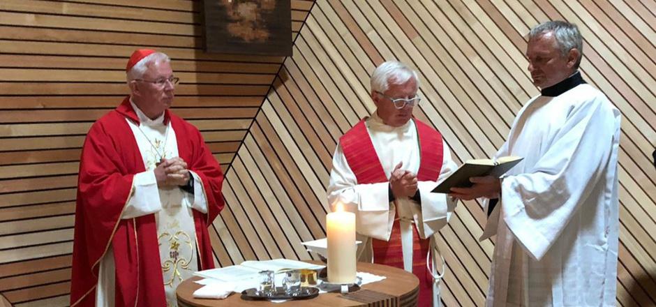 Mit viel Freude feierte Erzbischof Franz Lackner mit der Zeller Kirchengemeinde eine Heilige Messe.