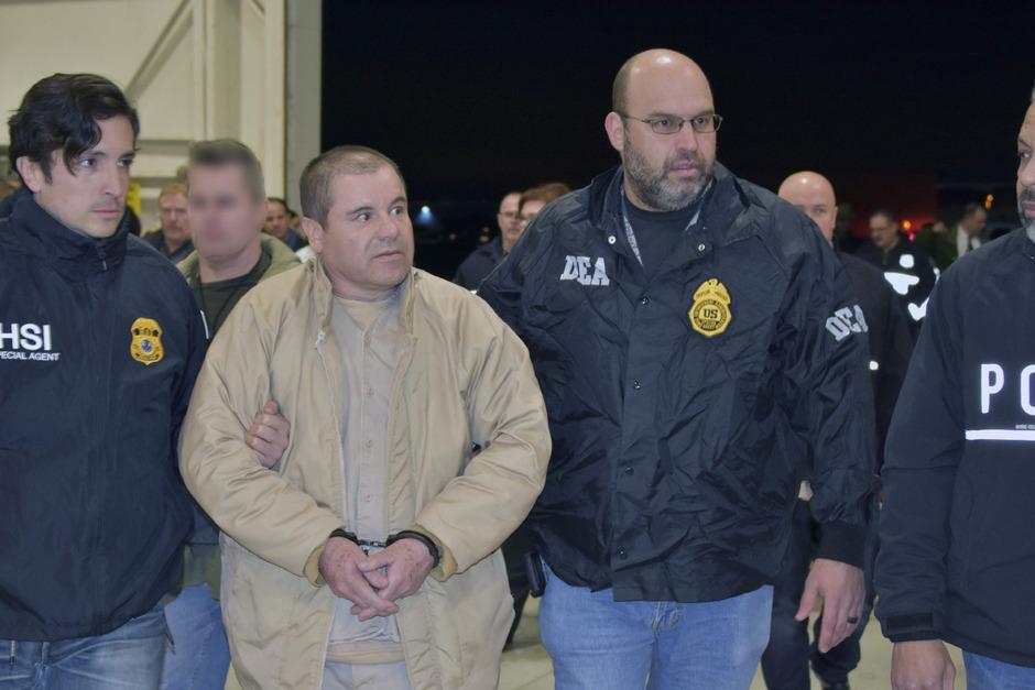 """""""El Chapo"""" bei seiner Auslieferung an die USA."""