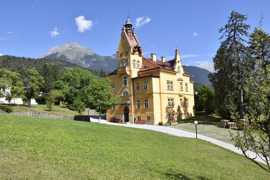 Der Stadtpark bei der Landesmusikschule in der Stapf-Villa ist ein beliebter Open-Air-Veranstaltungsort. Will man weiterhin Konzerte mit mehr als 400 Besuchern abhalten, braucht es weitere Fluchtmöglichkeiten.