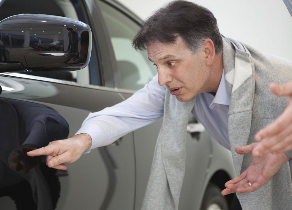 Eine ausgiebige Besichtigung des Autos und Foto-Dokumentation bei Übernahme und Rückgabe sind obligatorisch.