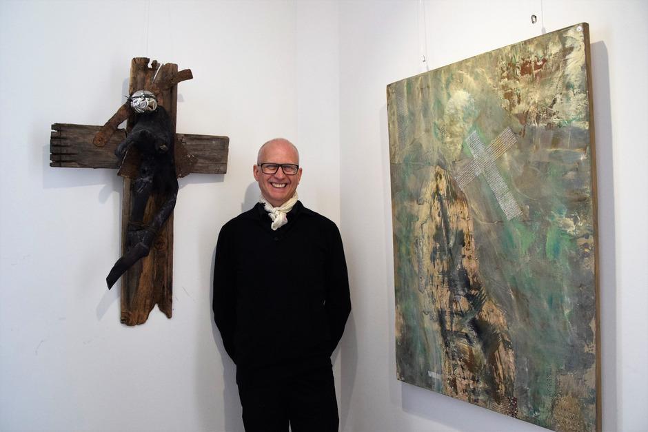 Reinhard Atzl stellt bis Ende August im Jakobskreuz aus.