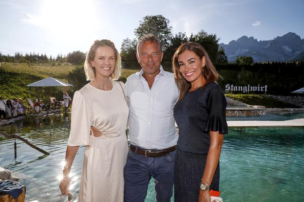 Unter der illustren Gästeschar sah man auch Model Monica Ivancan mit Patrick Graf von Faber-Castell.