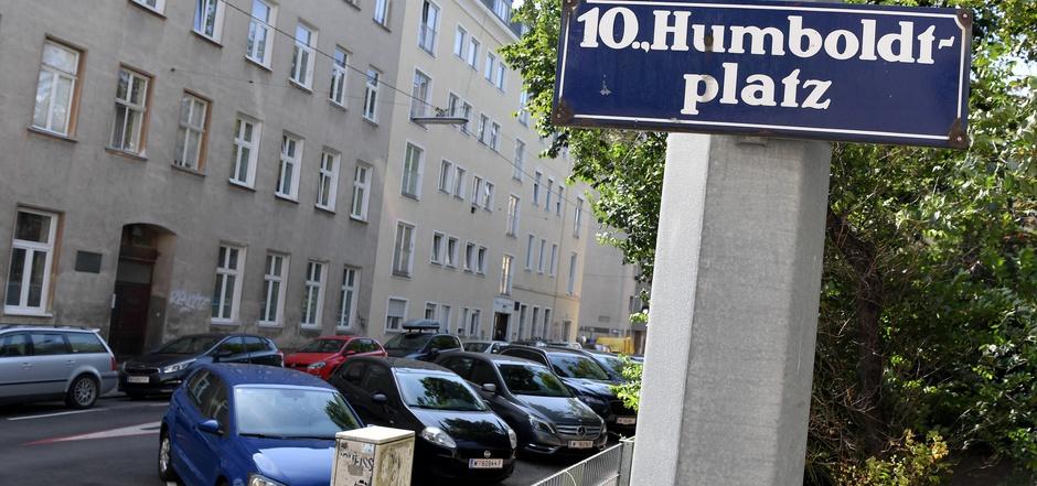 Der Humboldt-Platz in Wien-Favoriten, wo es am Dienstagabend zu den zwei Messerattacken kam.