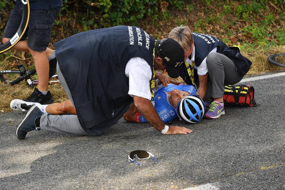 Niki Terpstra musste schwer verletzt bei der Tour de France aufgeben.