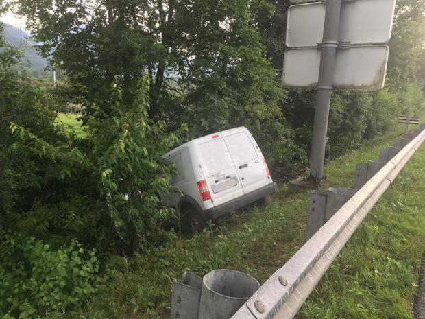 Auf der Inntalautobahn bei Wörgl verunglückte ein Klein-Lkw.