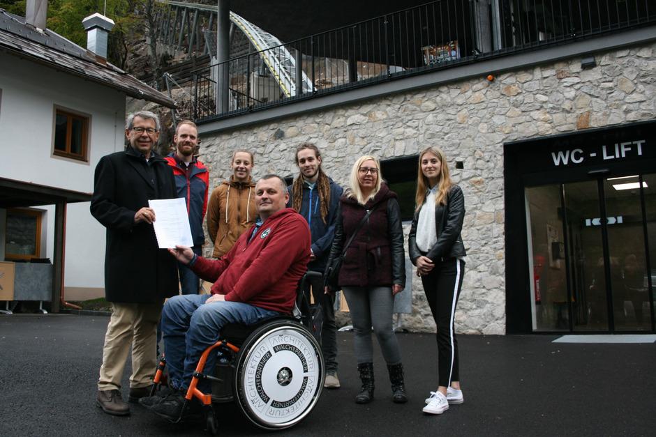 Mit dem Ergebnis zufrieden (v.l.): Armin Walch, Matthias Blum, Anna-Maria Tangl, Bernhard Gruber, Adam Rea, Sandra Gall und Samira Larcher.
