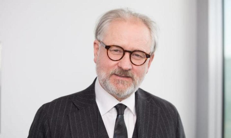 """Jan Zielonka ist Professor für Europäische Politik in Oxford und Ralf Dahrendorf Fellow am St. Antony's College. In seinem jüngsten Buch """"Konterrevolution"""" macht er Fehler der liberalen Eliten für das Erstarken von Rechtspopulisten verantwortlich."""