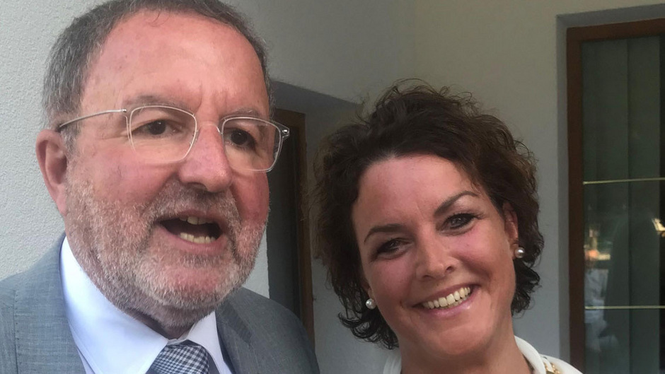 Übergabe: der scheidende Präsident Michael Krehl mit Nachfolgerin Nicola Wagner.