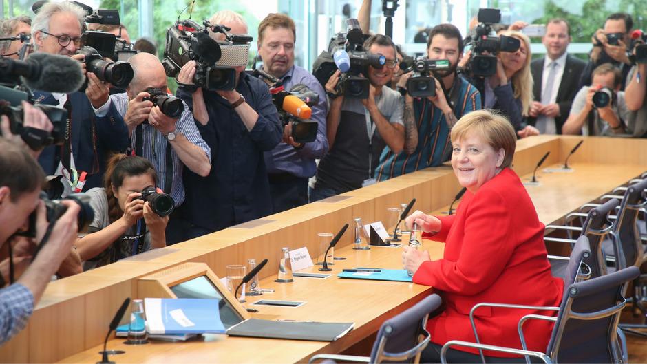 Bundeskanzlerin Angela Merkel  auf ihrer jährlichen Sommerpressekonferenz.