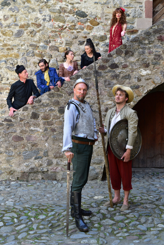Das Ensemble der Schlossfestspiele Dorf Tirol.