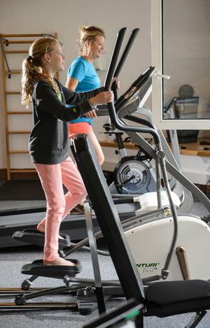 Sportskanonen. Fitness und ein Klettersteig sind Sonja und Nova Brouwer wichtig.