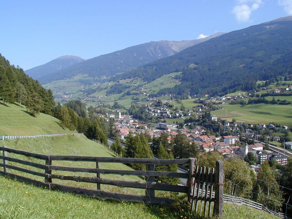 Blick auf die Gemeinden Matrei-Mühlbachl-Pfons. Auf engem Raum gibt es drei Bürgermeister und drei Feuerwehren.