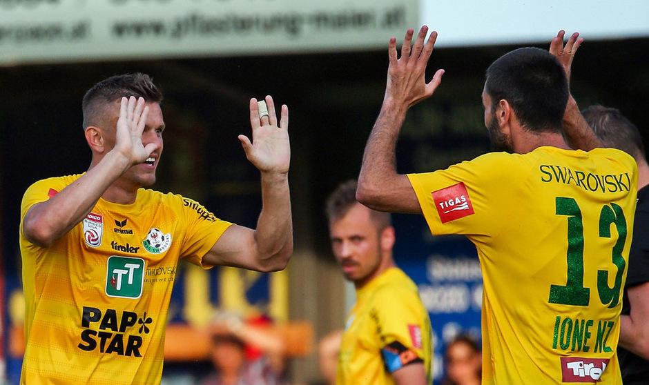 Jubel der Routiniers: Zlatko Dedic und Ione Cabrera stehen mit der WSG Tirol in der zweiten ÖFB-Cup-Runde.