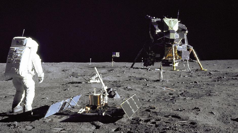 Neil Armstrong machte auf dem Mond dieses Foto von Buzz Aldrin.