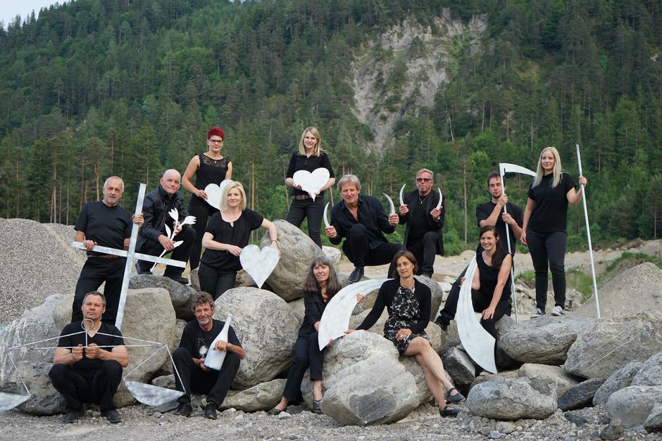 Die Theatergruppe Berg/Drau führt das Berger Jedermann-Stück in einer neuen Inszenierung in der Kiesarena WinklerBau auf.