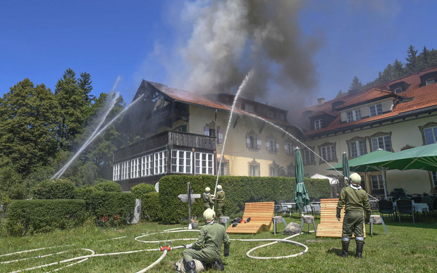 Die Freiwilligen Feuerwehren Patsch, Igls, Sistrans, Lans, Aldrans sowie die Berufsfeuerwehr Innsbruck standen im Einsatz.