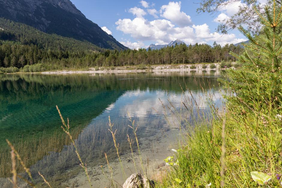 Eine Gruppe aus Weißenbach kämpft um den Erhalt des Baggersees in Forchach, der der Lechrenaturierung geopfert werden soll.