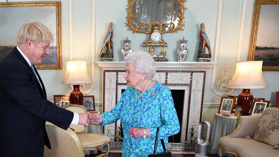 Am Mittwoch hieß die Queen zum 14. Mal einen Premierminister willkommen.