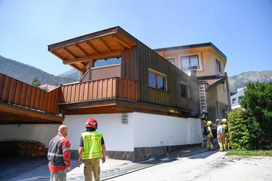 Auch die darüber liegende Wohnung wurde beschädigt.