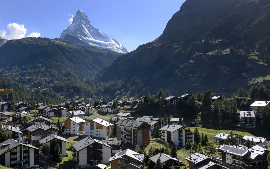 Das Schweizer Touristen-Bergdorf Zermatt.