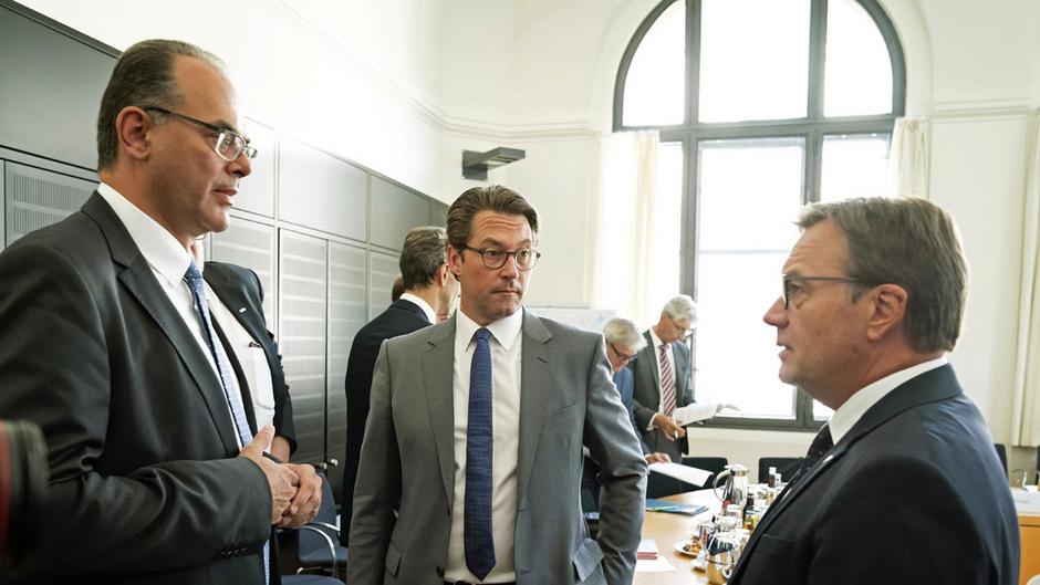LH Platter (r.), Verkehrsminister Andreas Reichhardt und sein deutscher Amtskollege Andreas Scheuer beim Transit-Gipfel in Berlin.
