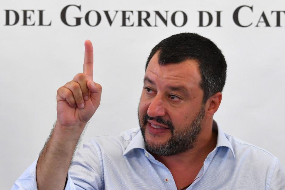 Die Auseindersetzung mit NGOs beschert Salvinis Lega derzeit ein Rekordhoch.