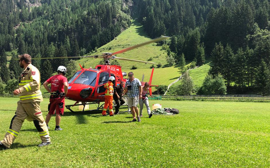 Die im hinteren Kaunertal eingeschlossenen Personen wurden mit dem Hubschrauber geborgen.