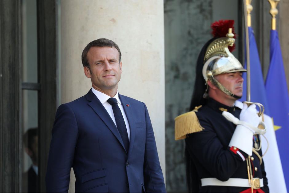 Macron will Johnson in Frankreich empfangen.