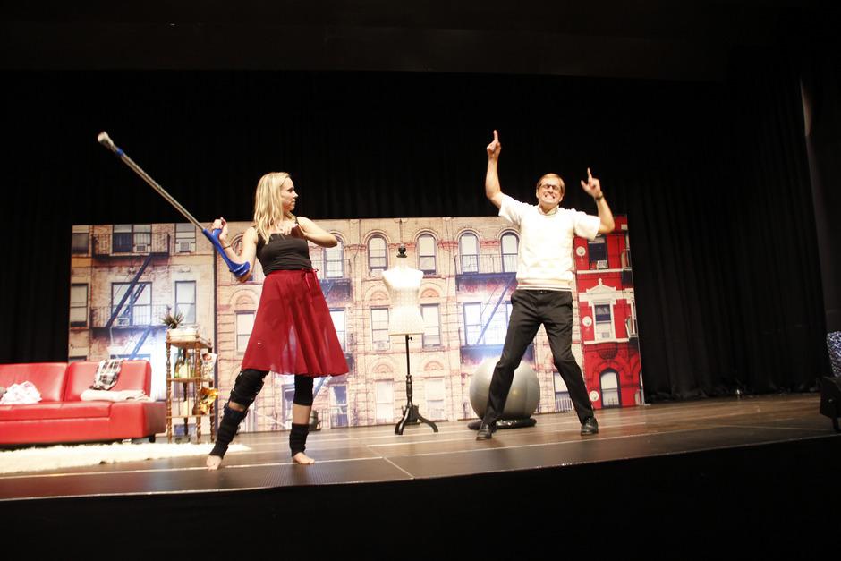 """Sandra Cirolini und Leopold Dallinger begeistern im Stück """"Die Tanzstunde"""" als Senga und Ever das Publikum."""