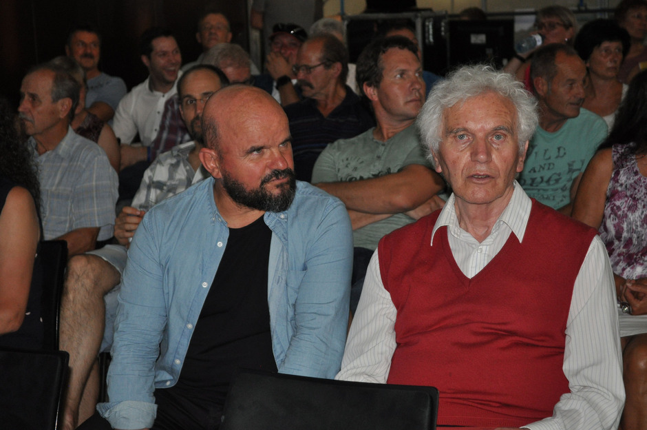 Unterstützung zur Erhaltung des Baggersees kam auch von den Lechtaler Öko-Größen Toni Knittel (l.) und Pfarrer Karlheinz Baumgartner.