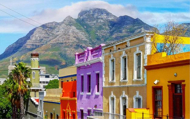 So wie das Haus von Abrahams sind im Stadtteil die meisten Fassaden mit Pastellfarben angemalt.