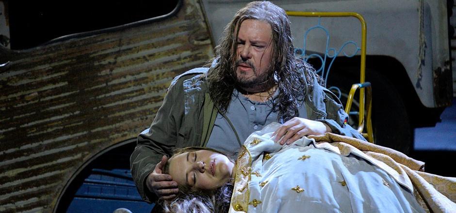 """Stephen Gould als Tannhäuser und Lise Davidsen als Elisabeth in """"Tannhäuser""""."""