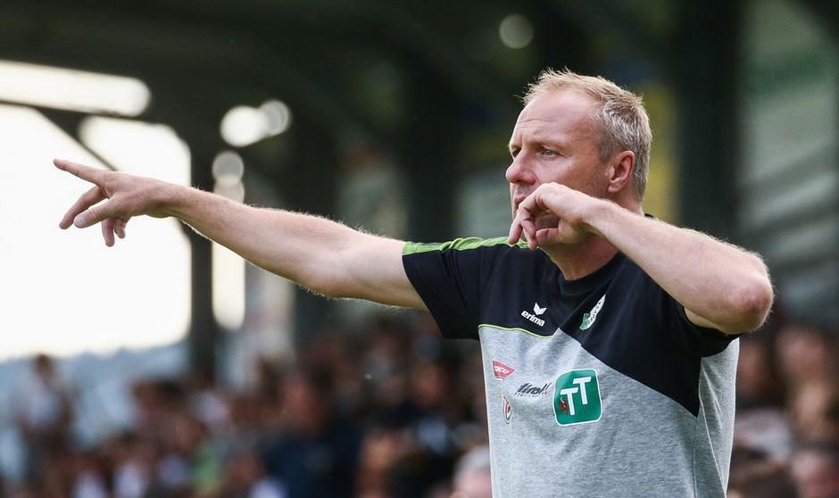 WSG-Coach Thomas Silberberger gibt heute erstmals in der Bundesliga die Marsch-Richtung vor.